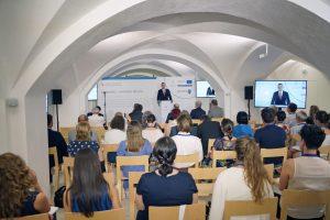 Romaság – Határok nélkül konferencia